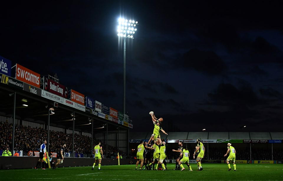 EXETER, ENGLAND - DECEMBER 24:  A general view as Ollie Atkins of Exeter Chiefs and Ed Slater of Leicester Tigers compete at the lineout during the Aviva Premiership match between Exeter Chiefs and Leicester Tigers at Sandy Park on December 24, 2016 in Exeter, England. (Photo by Dan Mullan/Getty Images)