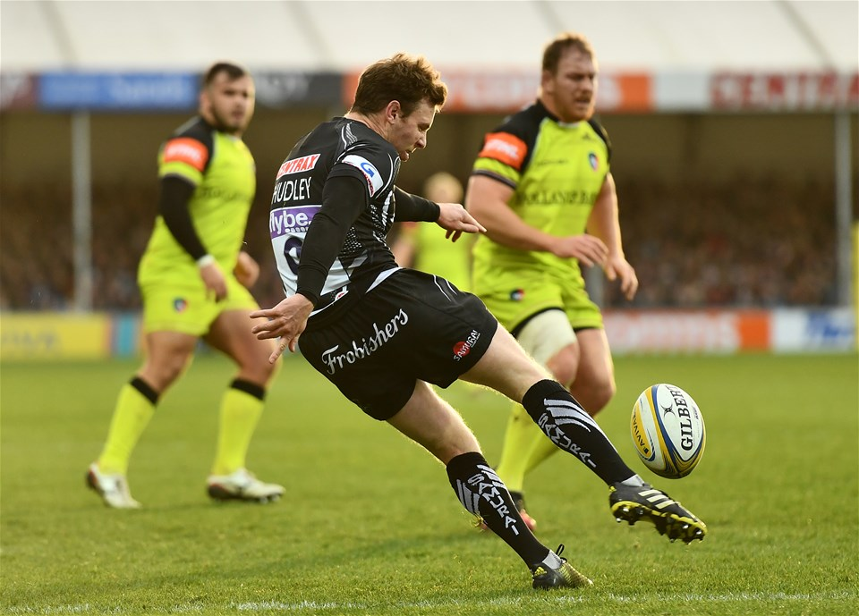 EXETER, ENGLAND - DECEMBER 24:  Will Chudley of Exeter Chiefs box kicks during the Aviva Premiership match between Exeter Chiefs and Leicester Tigers at Sandy Park on December 24, 2016 in Exeter, England. (Photo by Dan Mullan/Getty Images)