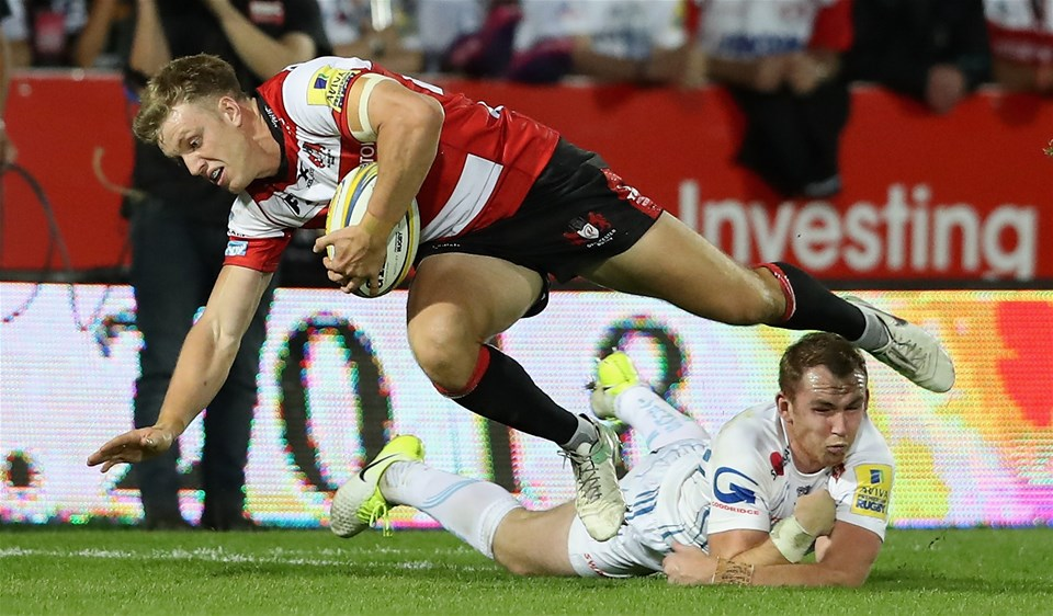 GLOUCESTER, ENGLAND - SEPTEMBER 01:  Ollie Thorley of Gloucester breaks with the ball during the Aviva Premiership match between Gloucester Rugby and Exeter Chiefs at Kingsholm Stadium on September 1, 2017 in Gloucester, England.  (Photo by David Rogers/Getty Images)