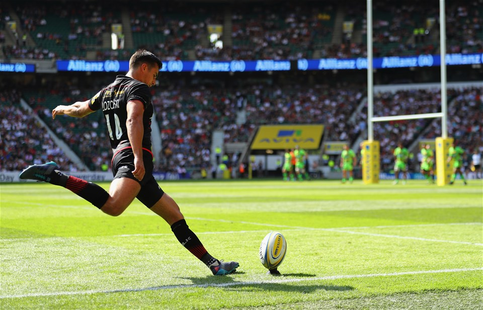LONDON, ENGLAND - SEPTEMBER 02:  Alex Lozowski of Saracens in action during the Aviva Premiership match between Saracens and Northampton Saints at Twickenham Stadium on September 2, 2017 in London, England.  (Photo by Warren Little/Getty Images)