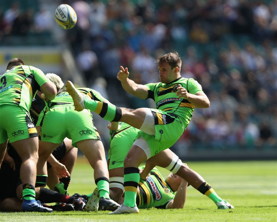 LONDON, ENGLAND - SEPTEMBER 02:  Nic Groom of Northampton kicks the ball upfield during the Aviva Premiership match between Saracens and Northampton Saints at Twickenham Stadium on September 2, 2017 in London, England.  (Photo by David Rogers/Getty Images)