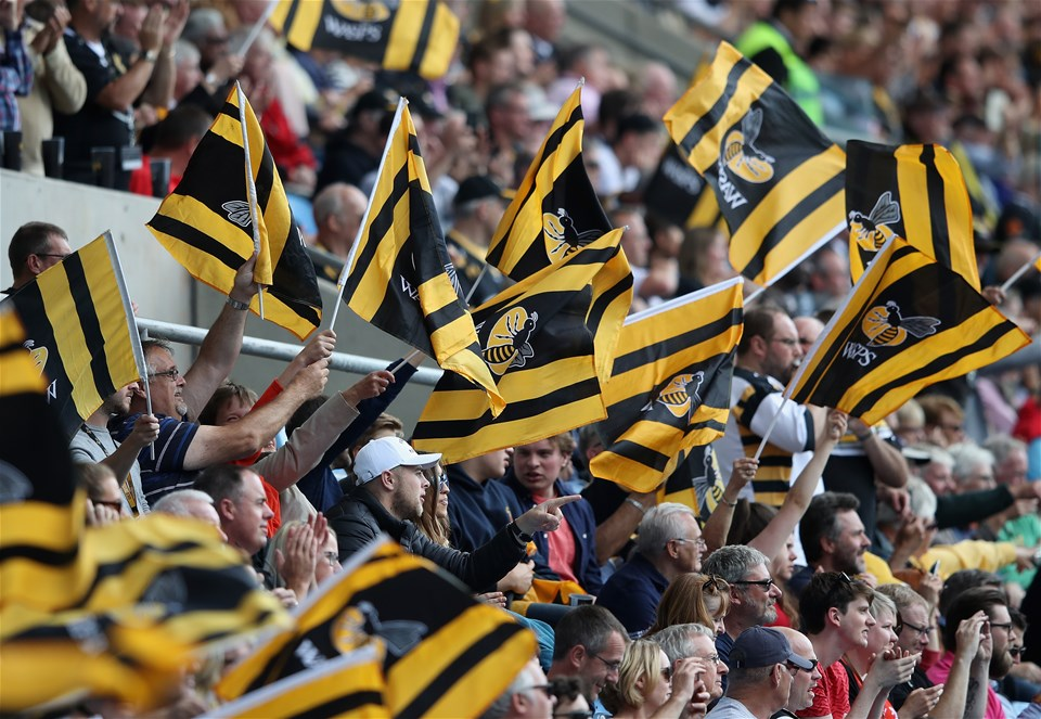 COVENTRY, ENGLAND - SEPTEMBER 02:  Wasps fans cheer on their side during the Aviva Premiership match between Wasps and Sale Sharks at The Ricoh Arena on September 2, 2017 in Coventry, England.  (Photo by Clive Mason/Getty Images)