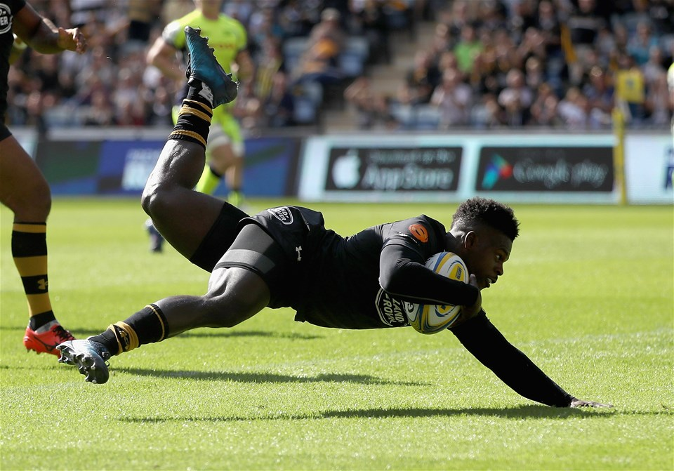 COVENTRY, ENGLAND - SEPTEMBER 02:  Christian Wade of Wasps scores a try during the Aviva Premiership match between Wasps and Sale Sharks at The Ricoh Arena on September 2, 2017 in Coventry, England.  (Photo by Clive Mason/Getty Images)