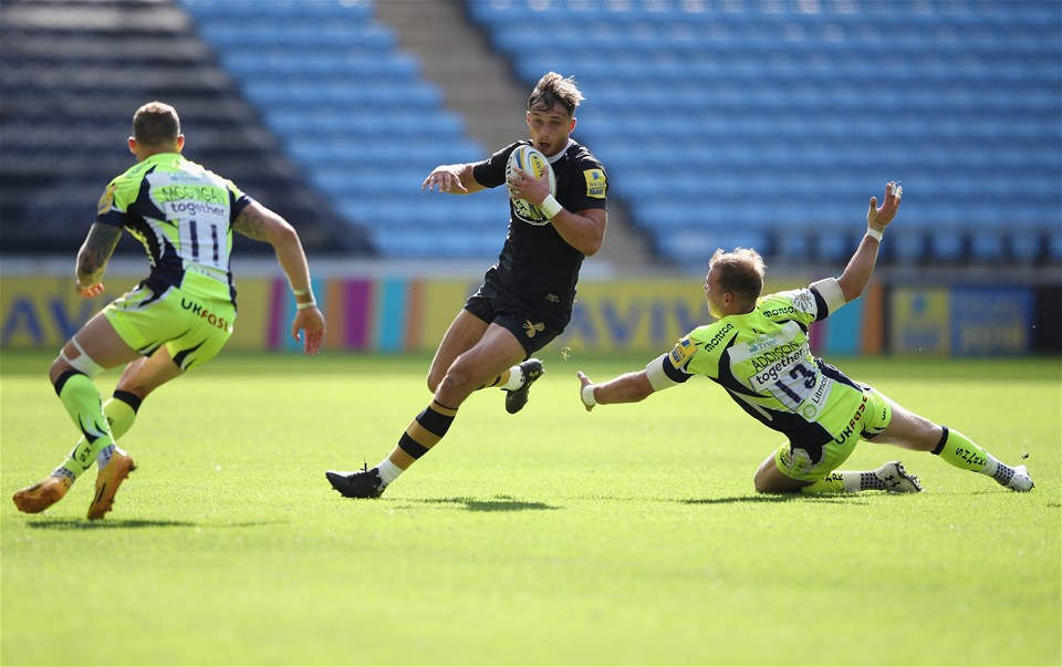 COVENTRY, ENGLAND - SEPTEMBER 02:  Josh Bassett of Wasps in action during the Aviva Premiership match between Wasps and Sale Sharks at The Ricoh Arena on September 2, 2017 in Coventry, England.  (Photo by Clive Mason/Getty Images)