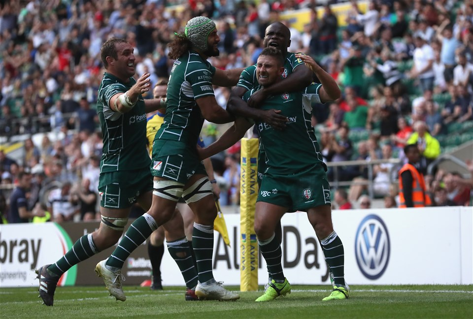 LONDON, ENGLAND - SEPTEMBER 02:  Brendan McKibbin of London Irish is mobbed by team mates after scoring the last minute try during the Aviva Premiership match between London Irish and Harlequins at Twickenham Stadium on September 2, 2017 in London, England.  (Photo by David Rogers/Getty Images)