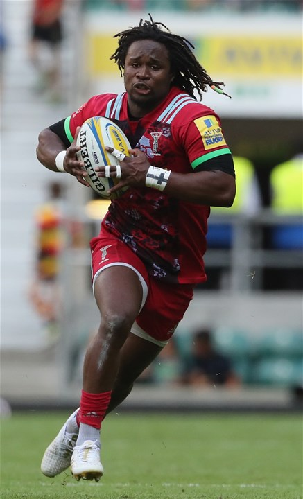 LONDON, ENGLAND - SEPTEMBER 02:  Marland Yarde of Harlequins breaks with the ball during the Aviva Premiership match between London Irish and Harlequins at Twickenham Stadium on September 2, 2017 in London, England.  (Photo by David Rogers/Getty Images)