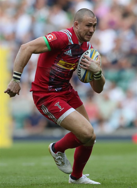 LONDON, ENGLAND - SEPTEMBER 02:  Mike Brown of Harlequins runs with the ball during the Aviva Premiership match between London Irish and Harlequins at Twickenham Stadium on September 2, 2017 in London, England.  (Photo by David Rogers/Getty Images)