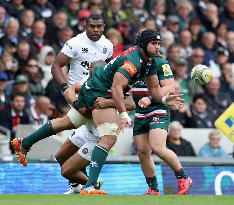 LEICESTER, ENGLAND - SEPTEMBER 03:  Sione Kalamafoni of Leicester Tigers passes the ball during the Aviva Premiership match between Leicester Tigers and Bath Rugby at Welford Road on September 3, 2017 in Leicester, England.  (Photo by David Rogers/Getty Images)