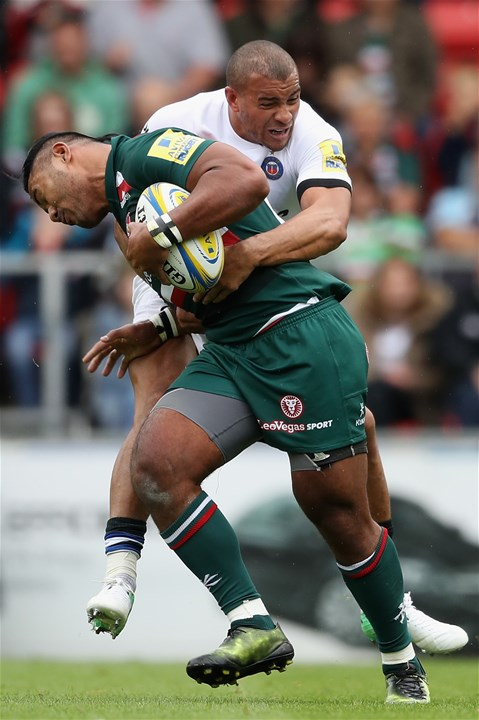 LEICESTER, ENGLAND - SEPTEMBER 03:  Manu Tuilagi of Leicester is tackled by Jonathan Joseph during the Aviva Premiership match between Leicester Tigers and Bath Rugby at Welford Road on September 3, 2017 in Leicester, England.  (Photo by David Rogers/Getty Images)
