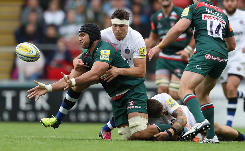 LEICESTER, ENGLAND - SEPTEMBER 03:  Sione Kalamafoni of Leicester Tigers moves away from Francois Louw during the Aviva Premiership match between Leicester Tigers and Bath Rugby at Welford Road on September 3, 2017 in Leicester, England.  (Photo by David Rogers/Getty Images)