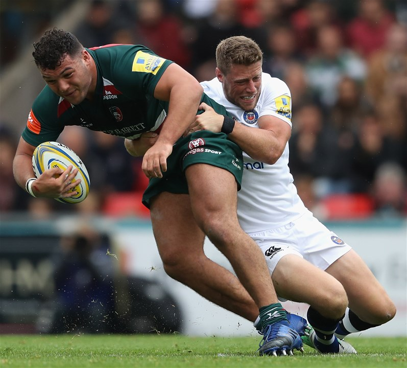 LEICESTER, ENGLAND - SEPTEMBER 03:  Ellis Genge of Leicester is tackled by Rhys Priestland during the Aviva Premiership match between Leicester Tigers and Bath Rugby at Welford Road on September 3, 2017 in Leicester, England.  (Photo by David Rogers/Getty Images)