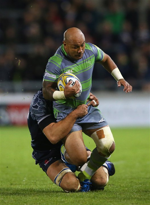 SALFORD, ENGLAND - SEPTEMBER 08:  Nili Latu of Newcastle Falcons is tackled by Josh Beaumont of Sale Sharks during the Aviva Premiership match between Sale Sharks and Newcastle Falcons at AJ Bell Stadium on September 8, 2017 in Salford, England.  (Photo by Alex Livesey/Getty Images)