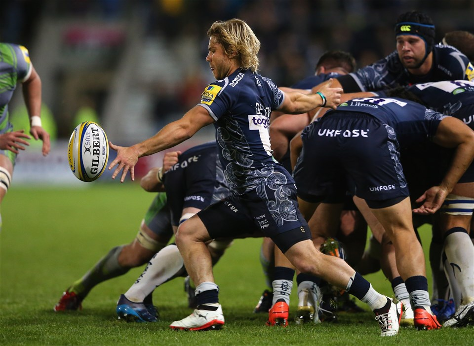 SALFORD, ENGLAND - SEPTEMBER 08:  Faf de Klerk of Sale Sharks kicks the ball clear during the Aviva Premiership match between Sale Sharks and Newcastle Falcons at AJ Bell Stadium on September 8, 2017 in Salford, England.  (Photo by Alex Livesey/Getty Images)