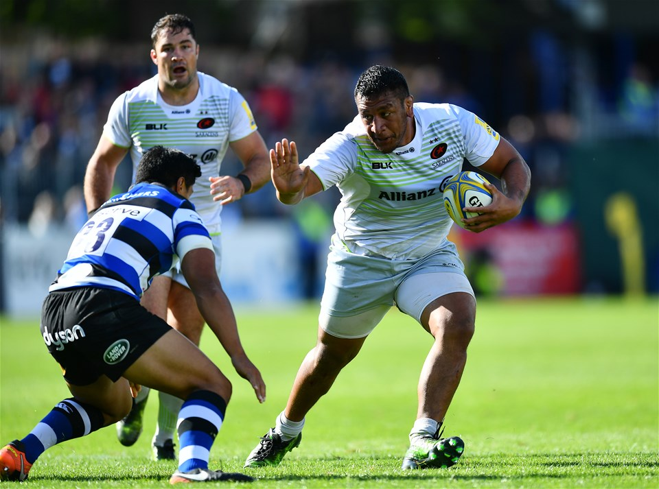 BATH, ENGLAND - SEPTEMBER 09:  Mako Vunipola of Saracens takes on Ben Tapuai of Bath during the Aviva Premiership match between Bath Rugby and Saracens at Recreation Ground on September 9, 2017 in Bath, England. (Photo by Dan Mullan/Getty Images)