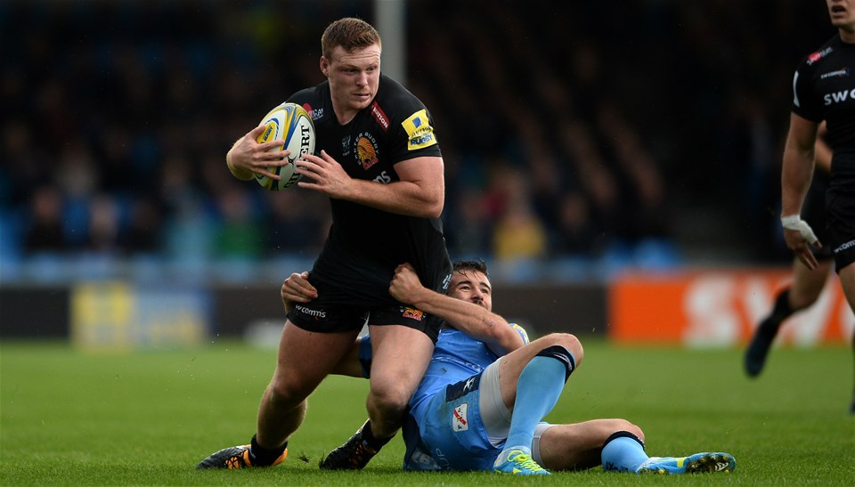 EXETER, ENGLAND - SEPTEMBER 09: Sam Simmonds of Exeter Chiefs is tackled by Tommy Bell of London Irish during the Aviva Premiership match between Exeter Chiefs and London Irish at Sandy Park on September 9, 2017 in Exeter, England. (Photo by Harry Trump/Getty Images)