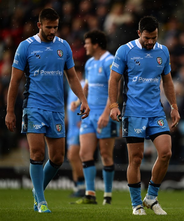 EXETER, ENGLAND - SEPTEMBER 09: Members of the London Irish side cut dejected figures during the Aviva Premiership match between Exeter Chiefs and London Irish at Sandy Park on September 9, 2017 in Exeter, England. (Photo by Harry Trump/Getty Images)