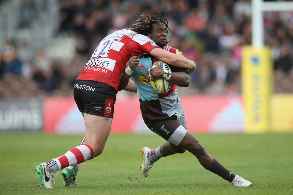 LONDON, ENGLAND - SEPTEMBER 09: Marland Yarde of Harlequins is tackled by  Andy Symons of Gloucester Rugby during the Aviva Premiership match between Harlequins and Gloucester Rugby at Twickenham Stoop on September 9, 2017 in London, England.  (Photo by Steve Bardens/Getty Images for Harlequins)
