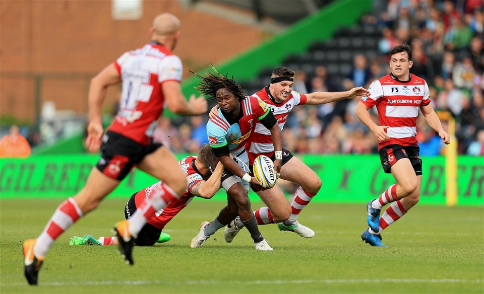 LONDON, ENGLAND - SEPTEMBER 09:  Marland Yarde of Harlequins is tackled during the Aviva Premiership match between Harlequins and Gloucester Rugby at Twickenham Stoop on September 9, 2017 in London, England. (Photo by Stephen Pond/Getty Images)