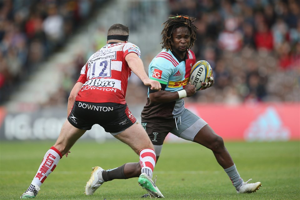 LONDON, ENGLAND - SEPTEMBER 09: Marland Yarde of Harlequins takes on Andy Symons of Gloucester Rugby during the Aviva Premiership match between Harlequins and Gloucester Rugby at Twickenham Stoop on September 9, 2017 in London, England.  (Photo by Steve Bardens/Getty Images for Harlequins)