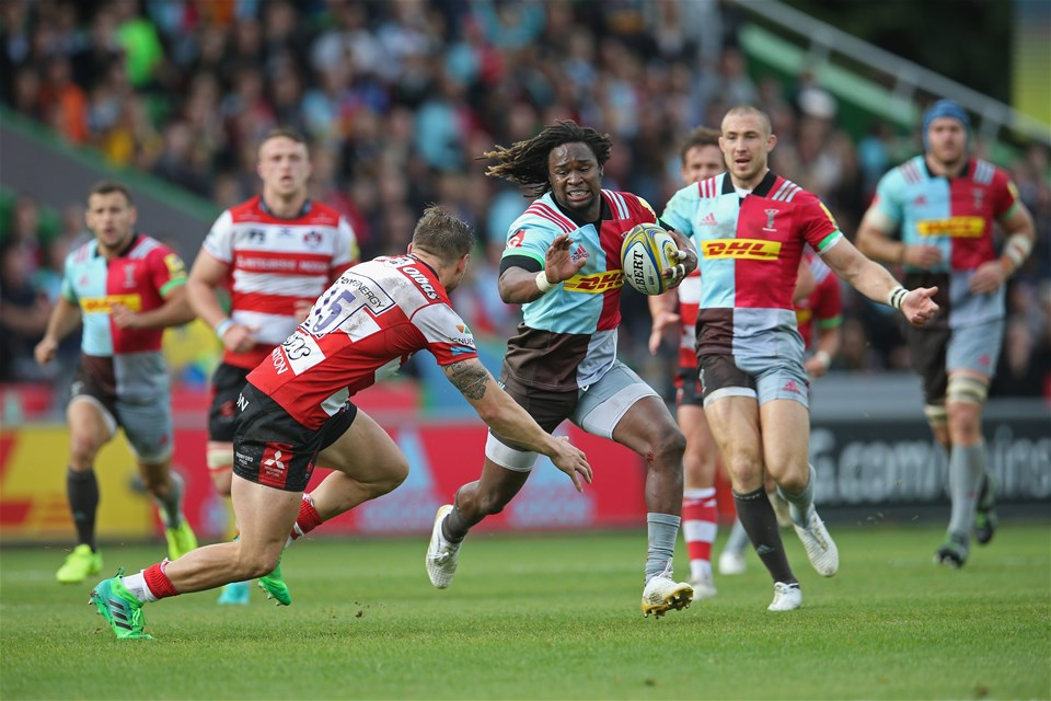 LONDON, ENGLAND - SEPTEMBER 09: Marland Yarde of Harlequins takes on Jason Woodward of Gloucester Rugby during the Aviva Premiership match between Harlequins and Gloucester Rugby at Twickenham Stoop on September 9, 2017 in London, England.  (Photo by Steve Bardens/Getty Images for Harlequins)