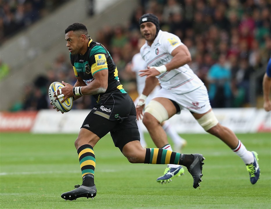 NORTHAMPTON, ENGLAND - SEPTEMBER 09:  Luther Burrell of Northampton runs with the ball during the Aviva Premiership match between Northampton Saints and Leicester Tigers at Franklin's Gardens on September 9, 2017 in Northampton, England.  (Photo by David Rogers/Getty Images)