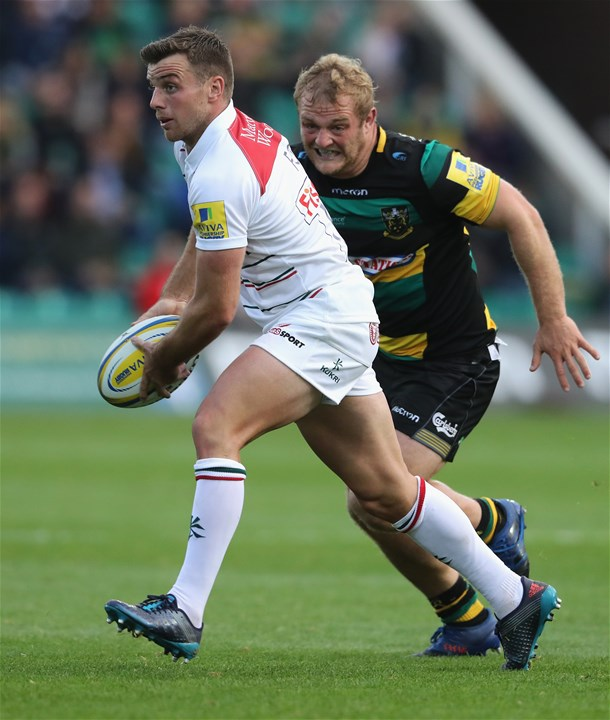 NORTHAMPTON, ENGLAND - SEPTEMBER 09: George Ford of Leicester passes the ball during the Aviva Premiership match between Northampton Saints and Leicester Tigers at Franklin's Gardens on September 9, 2017 in Northampton, England.  (Photo by David Rogers/Getty Images)