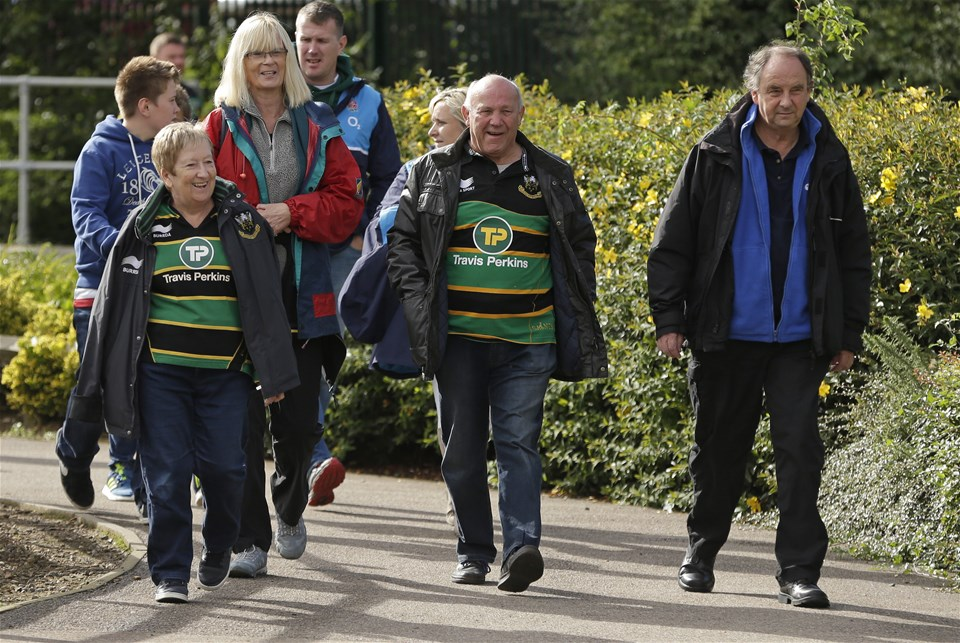 NORTHAMPTON, ENGLAND - SEPTEMBER 09: Fans walk to Franklins Gardens before the Aviva Premiership match between Northampton Saints and Leicester Tigers at Franklin's Gardens on September 9, 2017 in Northampton, England. (Photo by Henry Browne/Getty Images)
