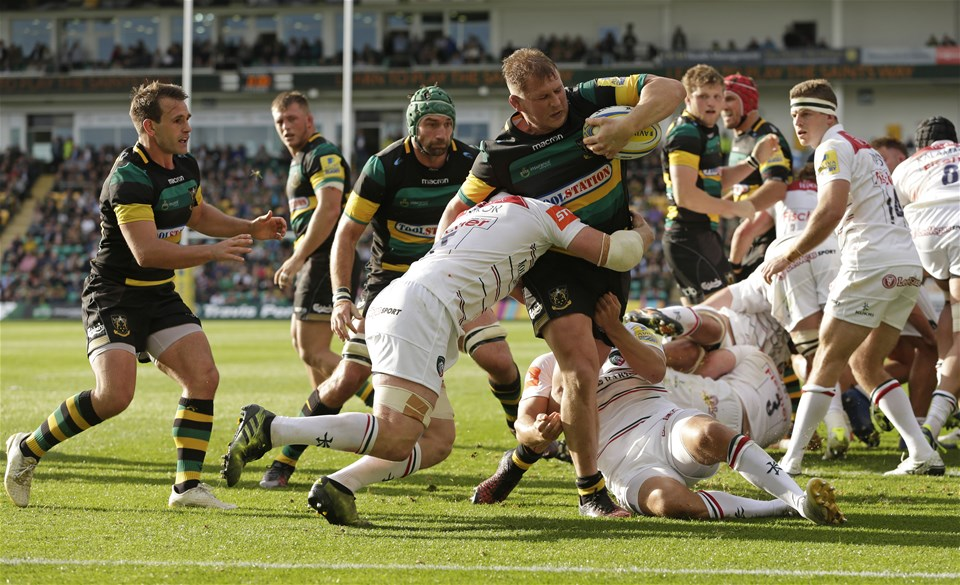 NORTHAMPTON, ENGLAND - SEPTEMBER 09: Dylan Hartley of Northampton Saints during the Aviva Premiership match between Northampton Saints and Leicester Tigers at Franklin's Gardens on September 9, 2017 in Northampton, England. (Photo by Henry Browne/Getty Images)