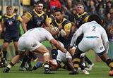 WORCESTER, ENGLAND - SEPTEMBER 10:  Ben Te'o of Worcester is tackled by Jake Cooper-Woolley during the Aviva Premiership match between Worcester Warriors and Wasps at Sixways Stadium on September 10, 2017 in Worcester, England.  (Photo by David Rogers/Getty Images)