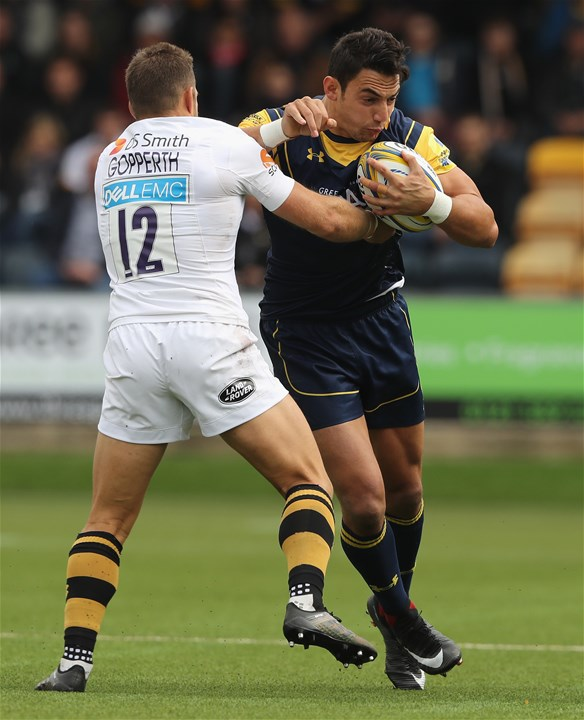 WORCESTER, ENGLAND - SEPTEMBER 10:  Bryce Heem of Worcester is tackled by Jimmy Gopperth during the Aviva Premiership match between Worcester Warriors and Wasps at Sixways Stadium on September 10, 2017 in Worcester, England.  (Photo by David Rogers/Getty Images)