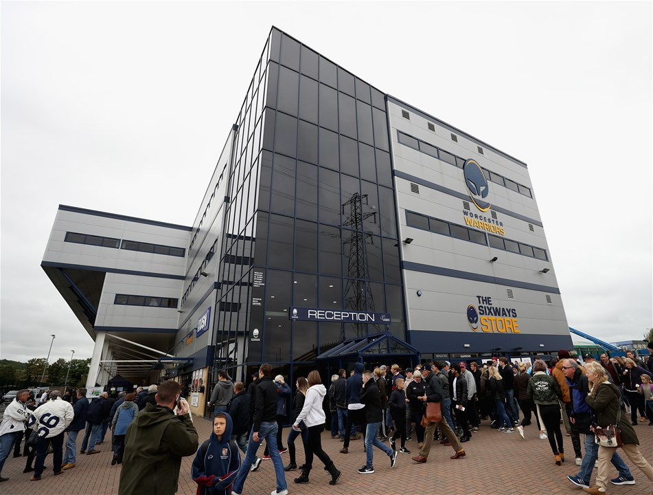 WORCESTER, ENGLAND - SEPTEMBER 10:  Supporters arrive at the Sixways Stadium during the Aviva Premiership match between Worcester Warriors and Wasps at Sixways Stadium on September 10, 2017 in Worcester, England.  (Photo by David Rogers/Getty Images)