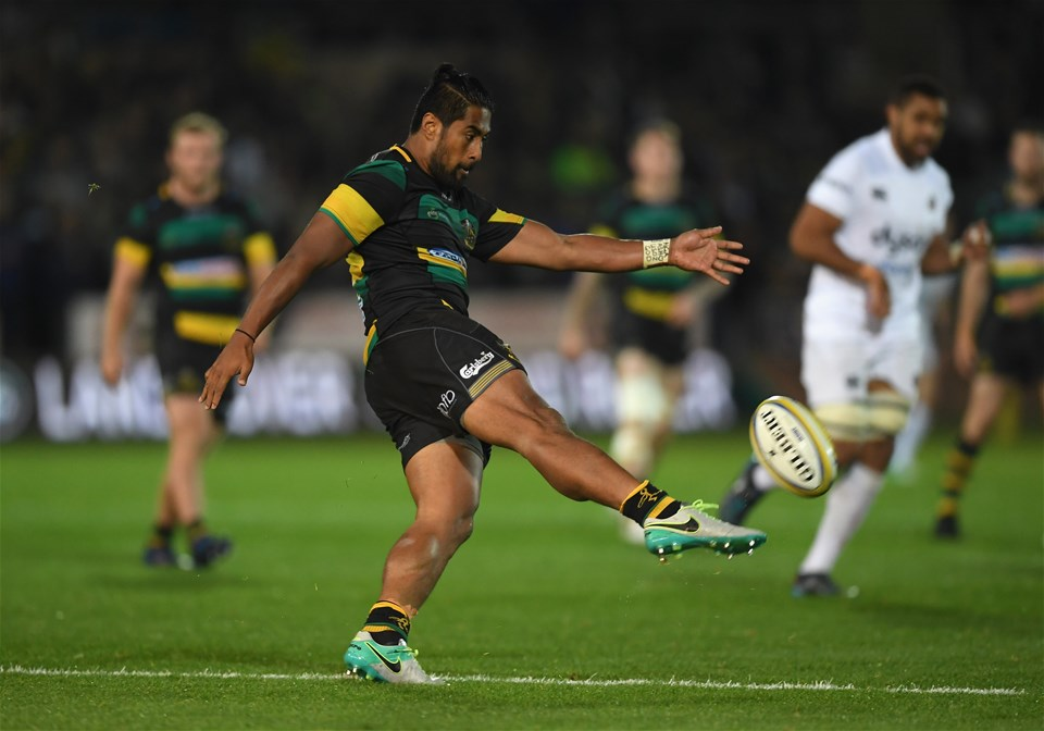 NORTHAMPTON, ENGLAND - SEPTEMBER 15:  Ahsee Tuala of Northampton Saints clears the ball during the Aviva Premiership match between Northampton Saints and Bath Rugby at Franklin's Gardens on September 15, 2017 in Northampton, England.  (Photo by Shaun Botterill/Getty Images)