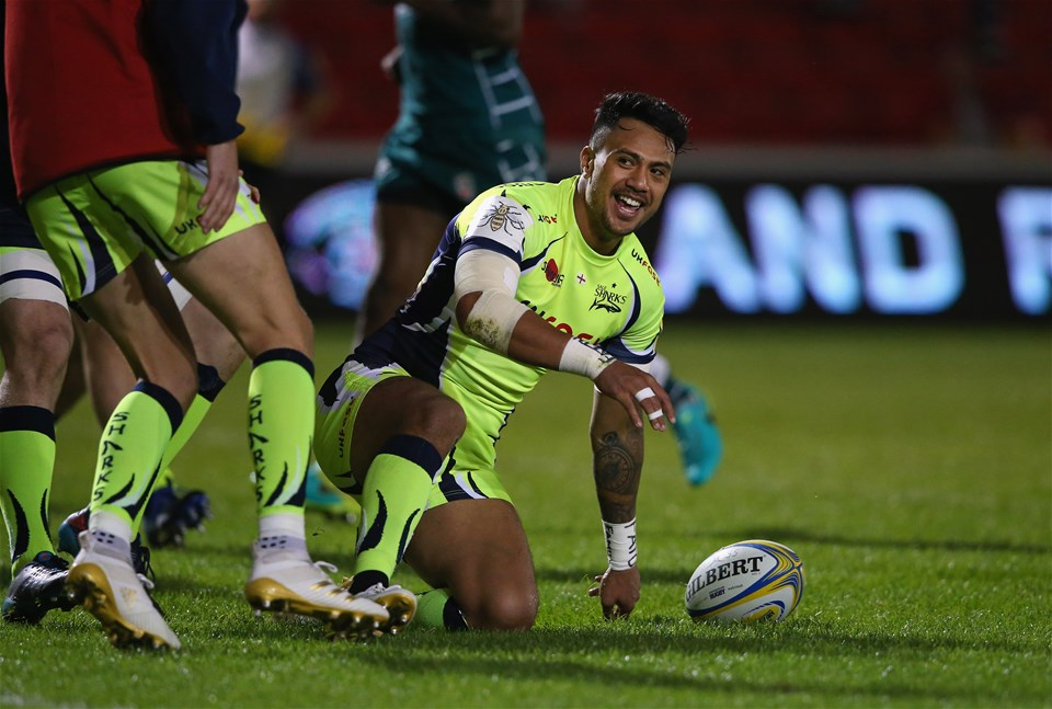 SALFORD, ENGLAND - SEPTEMBER 15:  Denny Solomona of Sale Sharks celebrates after scoring his second try during the Aviva Premiership match between Sale Sharks and London Irish at AJ Bell Stadium on September 15, 2017 in Salford, England.  (Photo by Alex Livesey/Getty Images)