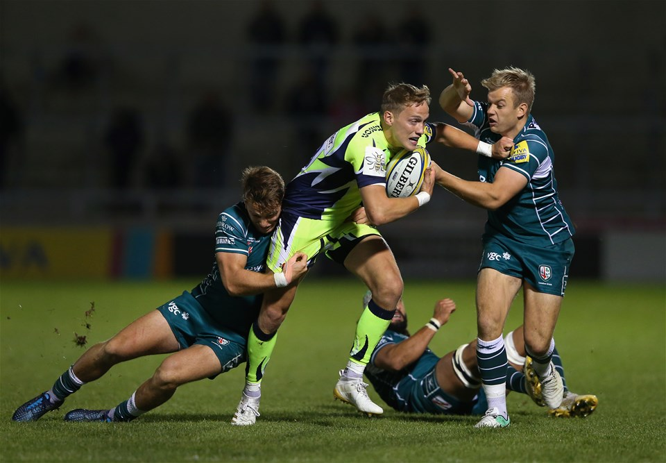 SALFORD, ENGLAND - SEPTEMBER 15:  Mike Haley of Sale Sharks is tackled by Alex Lewington and Scott Steele of London Irish during the Aviva Premiership match between Sale Sharks and London Irish at AJ Bell Stadium on September 15, 2017 in Salford, England.  (Photo by Alex Livesey/Getty Images)