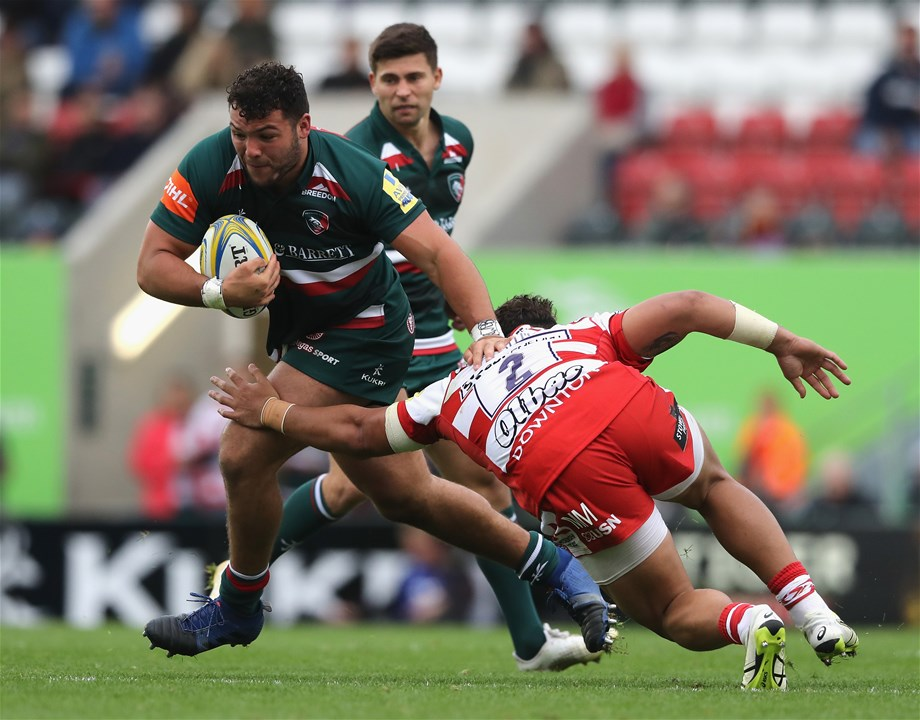 LEICESTER, ENGLAND - SEPTEMBER 16:  Ellis Genge of Leicester is tackled by Motu Matu'u during the Aviva Premiership match between Leicester Tigers and Gloucester Rugby at Welford Road on September 16, 2017 in Leicester, England.  (Photo by David Rogers/Getty Images)