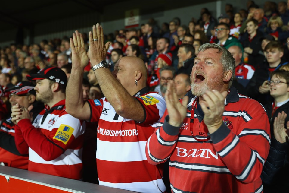 GLOUCESTER, ENGLAND - SEPTEMBER 22:  Supporters of Gloucester applaud their team from The Shed stand during the Aviva Premiership match between Gloucester Rugby and Worcester Warriors at Kingsholm Stadium on September 22, 2017 in Gloucester, England.  (Photo by Michael Steele/Getty Images)