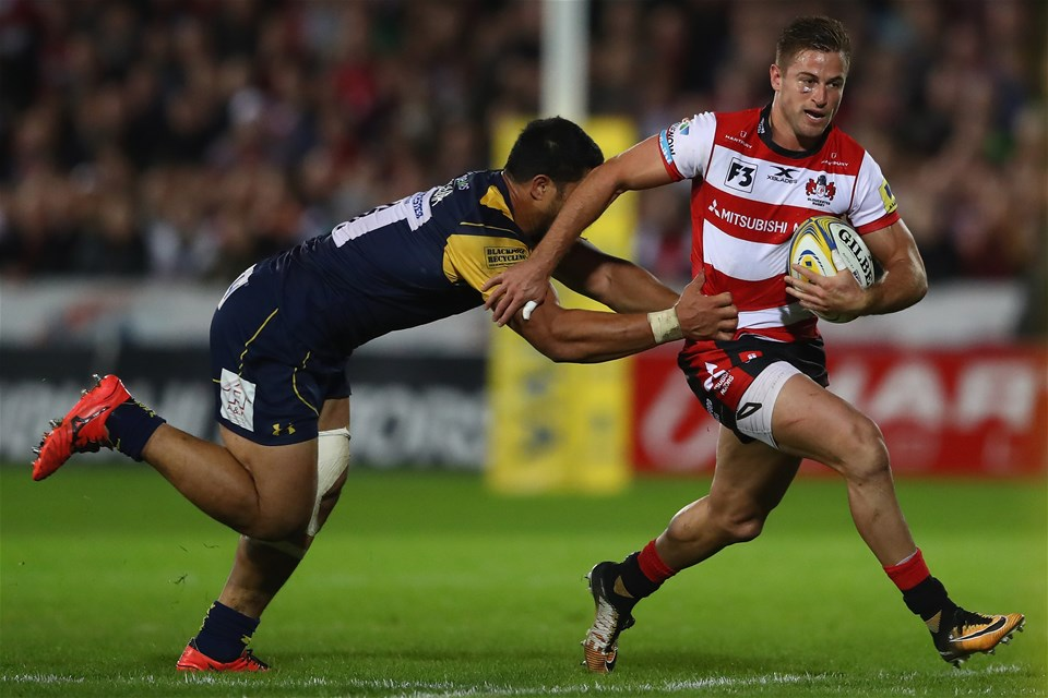 GLOUCESTER, ENGLAND - SEPTEMBER 22:  Henry Trinder of Gloucester is held up by Alafoti Faosiliva of Worcester Warriors during the Aviva Premiership match between Gloucester Rugby and Worcester Warriors at Kingsholm Stadium on September 22, 2017 in Gloucester, England.  (Photo by Michael Steele/Getty Images)