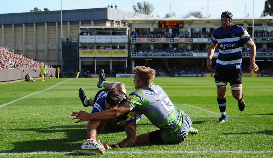 BATH, ENGLAND - SEPTEMBER 23: Matt Banahan of Bath Rugby goes over for his sides first try during the Aviva Premiership match between Bath Rugby and Newcastle Falcons at the Recreation Ground on September 23, 2017 in Bath, England. (Photo by Harry Trump/Getty Images)