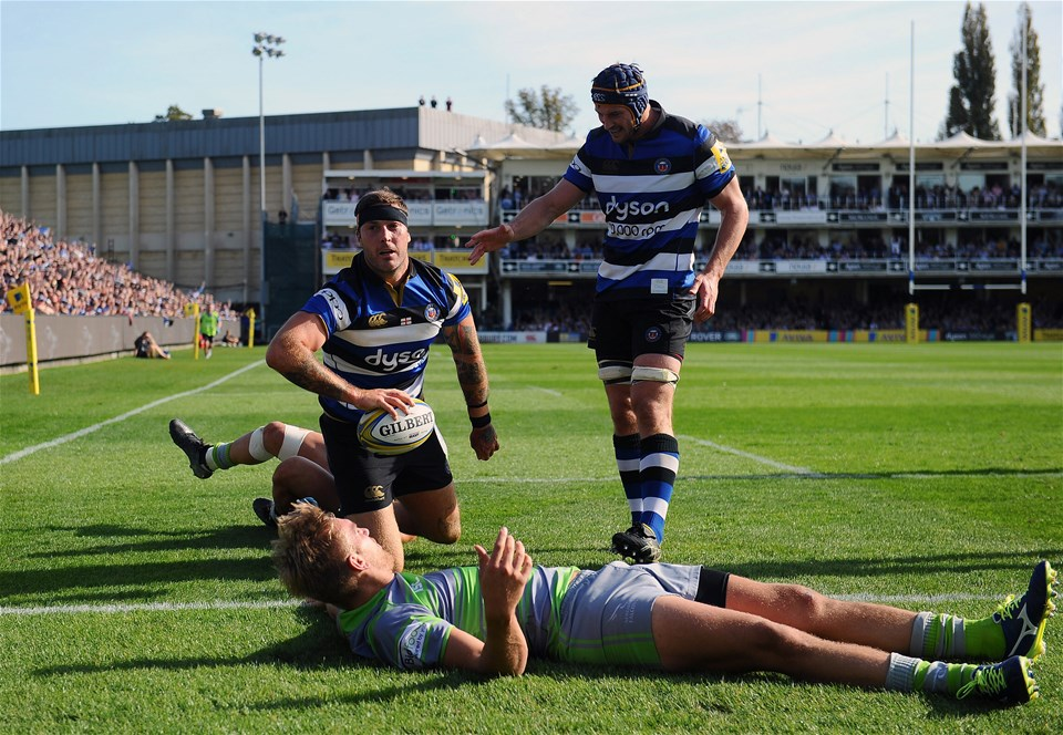 BATH, ENGLAND - SEPTEMBER 23: Matt Banahan of Bath Rugby (C) celebrates his sides first try during the Aviva Premiership match between Bath Rugby and Newcastle Falcons at the Recreation Ground on September 23, 2017 in Bath, England. (Photo by Harry Trump/Getty Images)