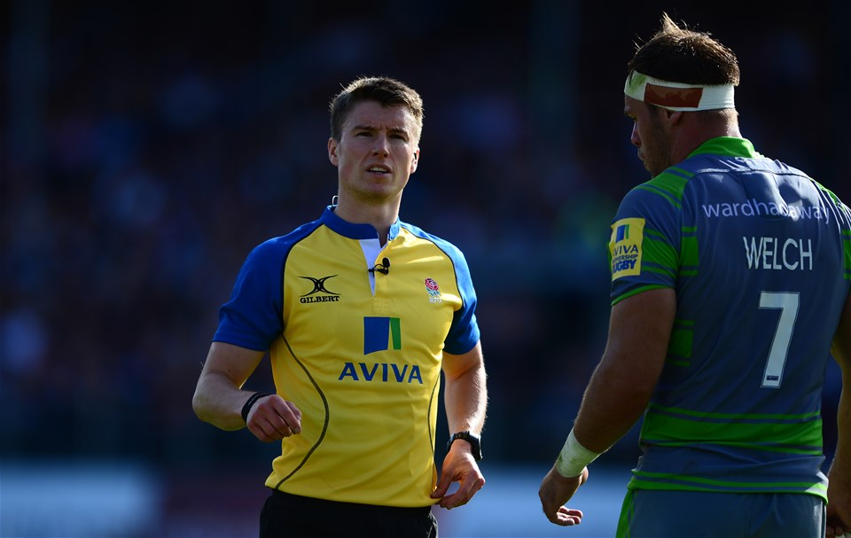 BATH, ENGLAND - SEPTEMBER 23: Match Referee Craig Maxwell-Keys chats with Will Welch of Newcastle Falcons during the Aviva Premiership match between Bath Rugby and Newcastle Falcons at the Recreation Ground on September 23, 2017 in Bath, England. (Photo by Harry Trump/Getty Images)