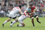LONDON, ENGLAND - SEPTEMBER 23:  Mathew Luamanu of Harlequins battles with Tom Youngs of Leicester Tigers and Sione Kalamafoni of Leicester Tigers during the Aviva Premiership match between Harlequins and Leicester Tigers at Twickenham Stoop on September 23, 2017 in London, England.  (Photo by Christopher Lee/Getty Images)