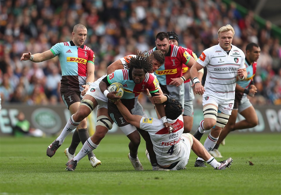 LONDON, ENGLAND - SEPTEMBER 23:  Marland Yarde of Harlequins is tackled by Mike Williams of Leicester Tigers and Harry Wells of Leicester Tigers during the Aviva Premiership match between Harlequins and Leicester Tigers at Twickenham Stoop on September 23, 2017 in London, England.  (Photo by Christopher Lee/Getty Images)