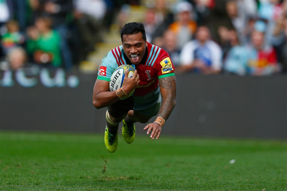 LONDON, ENGLAND - SEPTEMBER 23: Alofa Alofa of Harlequins scores a try during the Aviva Premiership match between Harlequins and Leicester Tigers at Twickenham Stoop on September 23, 2017 in London, England. (Photo by Steve Bardens/Getty Images for Harlequins)