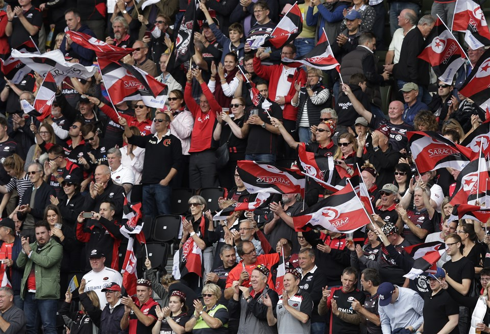 BARNET, ENGLAND - SEPTEMBER 23: Fans during the Aviva Premiership match between Saracens and Sale Sharks at Allianz Park on September 23, 2017 in Barnet, England. (Photo by Henry Browne/Getty Images)